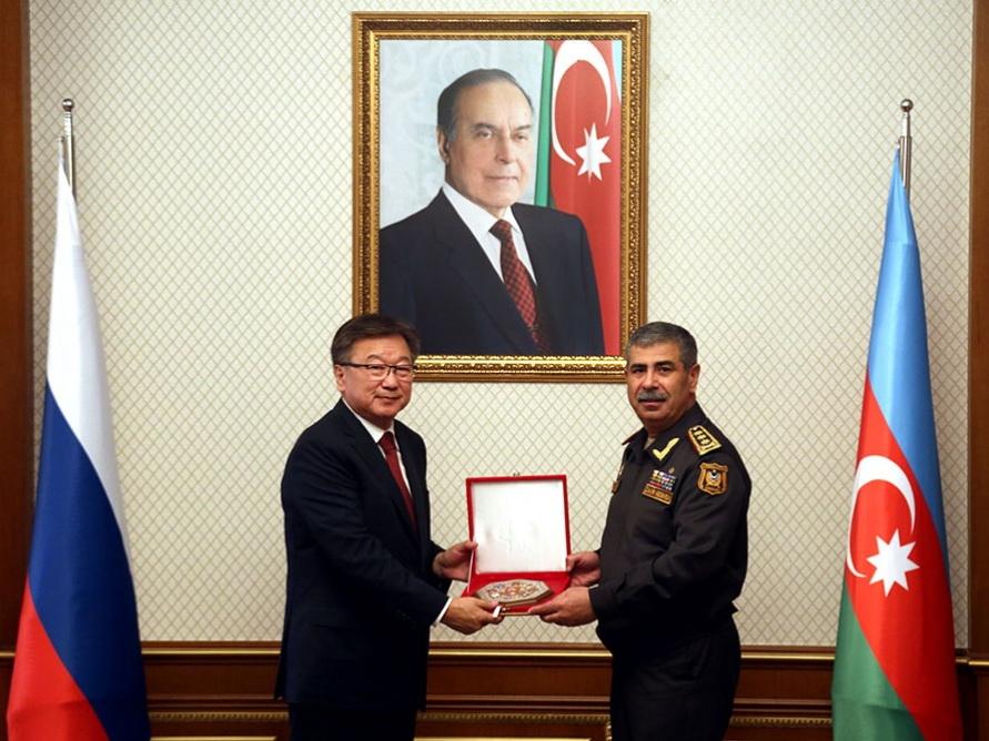 Министр обороны Азербайджана встретился с главным военным прокурором России