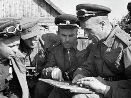 Российский телеканал «Звезда»: Чем напугал фашистов легендарный Ази Асланов - ВИДЕО