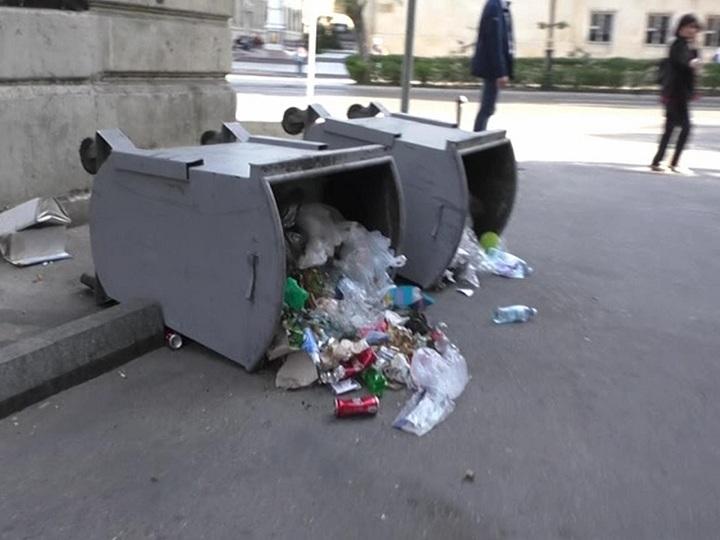 Bakıda piket zamanı şəhər təsərrüfatına ziyan vurulub – FOTO