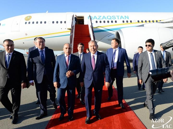 Qazaxıstanın birinci Prezidenti, Türk Şurasının fəxri sədri Nursultan Nazarbayev Azərbaycana gəlib – FOTO