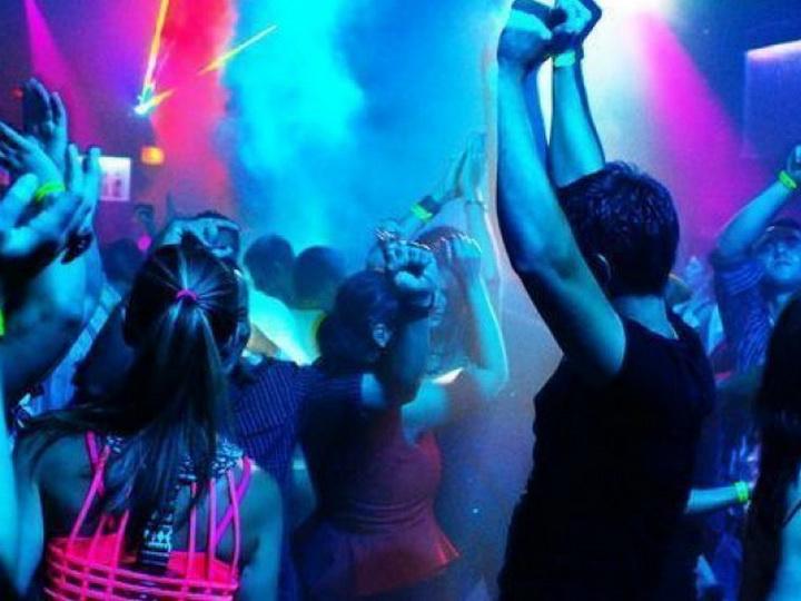 В ночном клубе в Баку девушки подрались из-за клиента