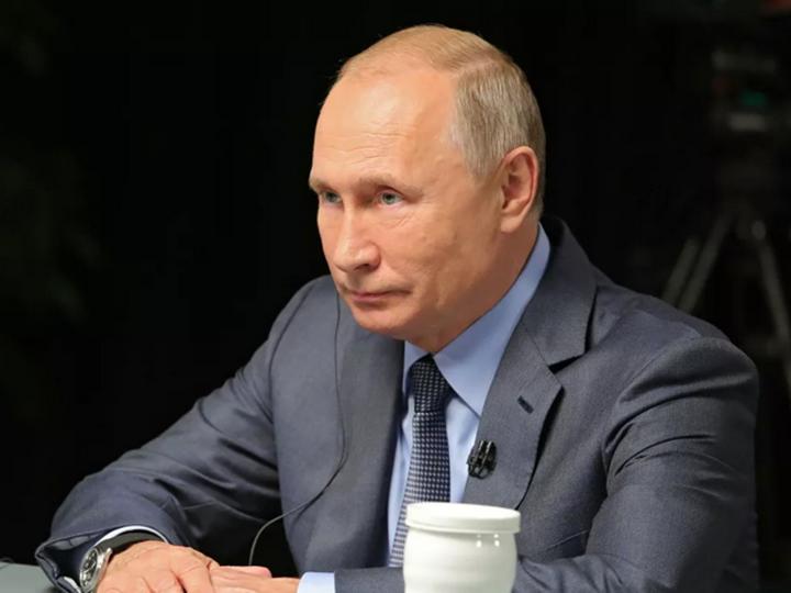 Путин считает, что Ленин «заложил мину» под государственность России
