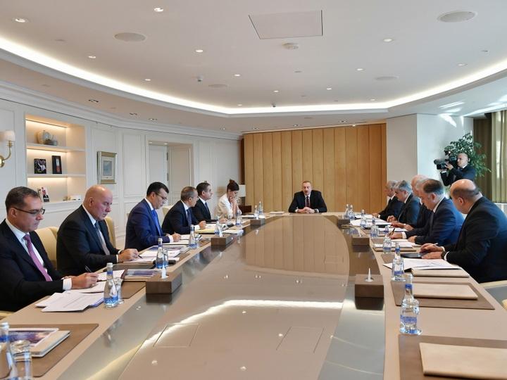 Ильхам Алиев: Мы хотим видеть Азербайджан развивающейся страной, где прозрачность находится на первом месте, и добьемся этого - ФОТО
