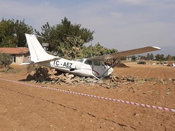 В Турции упал учебный гражданский самолет - ФОТО