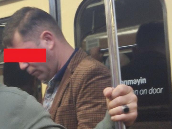 «Ущипнул за ягодицу в метро»: в сосцетях распространяется фотография мужчины, домогающегося женщин - ФОТО