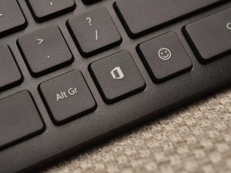 """""""Microsoft"""" 25 ildə ilk dəfə klaviaturaya yeni klavişlər əlavə edib"""