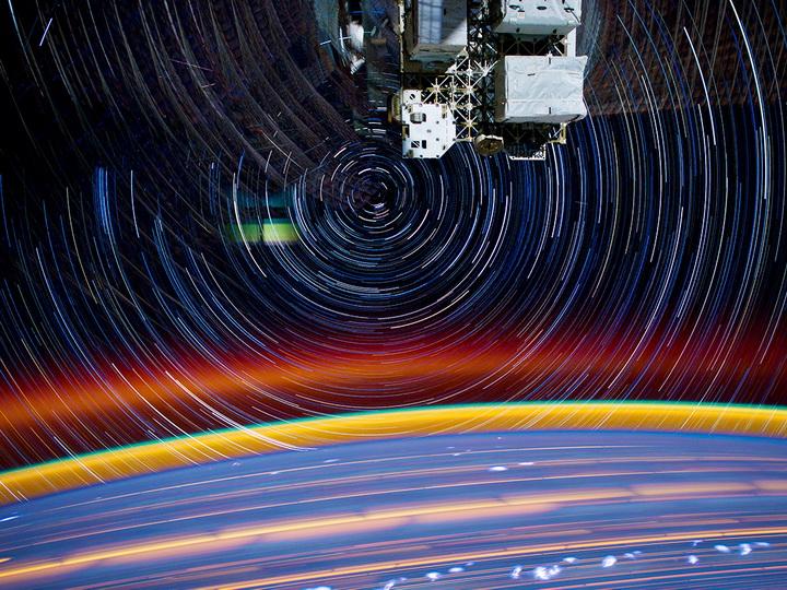 Илон Маск запустит в космос более 40 тыс. спутников: есть риск столкновений на орбите