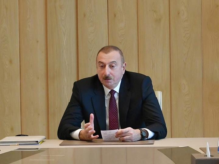 Президент Ильхам Алиев: В Азербайджане одни члены правительства подвергаются шантажу со стороны других, что недопустимо