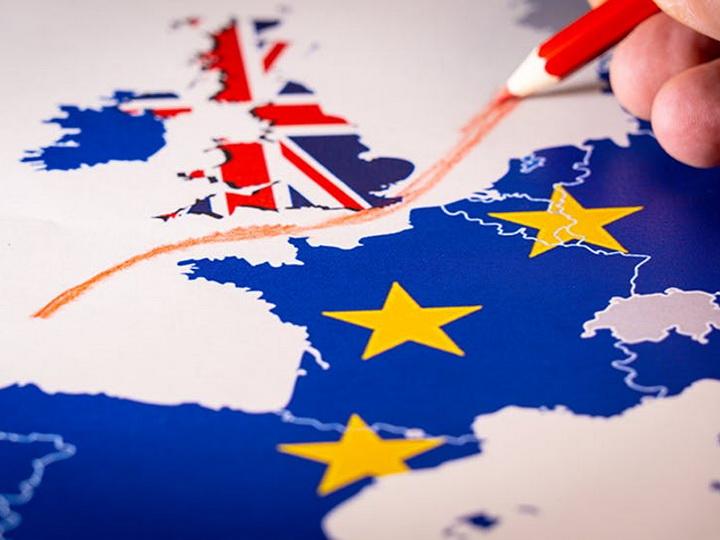 Британия иЕС согласовали сделку поBrexit