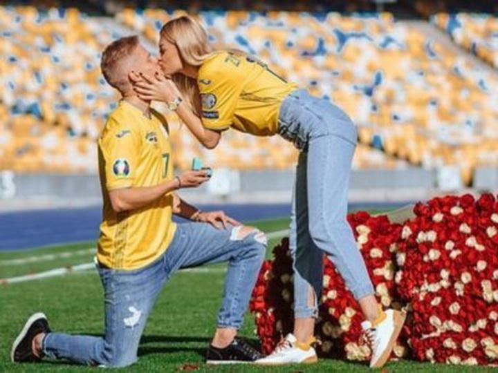 Звезда сборной Украины приревновал девушку к Роналду и сделал ей предложение - ФОТО