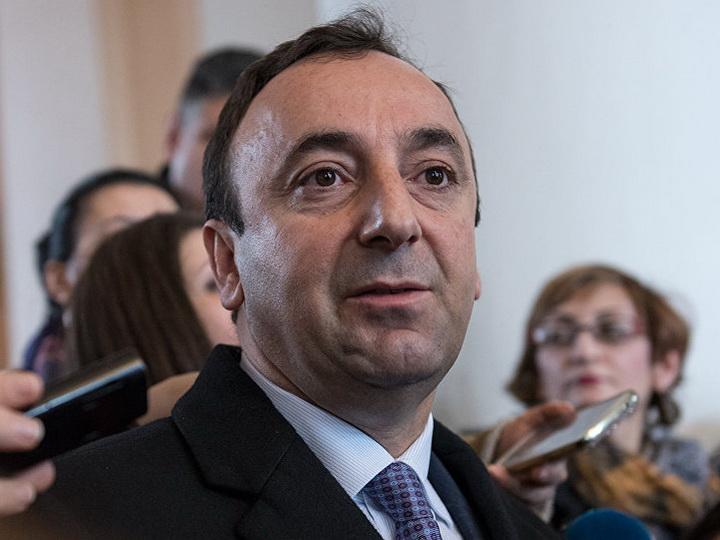 Отца и дочерей главы Конституционного суда вызвали в СНБ Армении