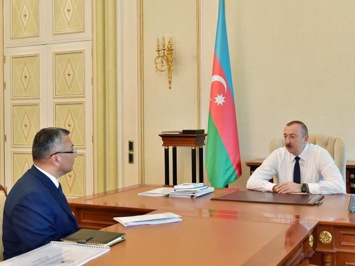 Президент Ильхам Алиев принял главу Госкомитета по делам беженцев и вынужденных переселенцев - ФОТО