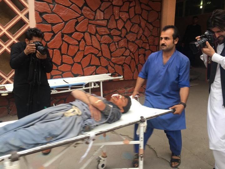 В Афганистане 31 человек погиб при взрывах в мечети - ФОТО