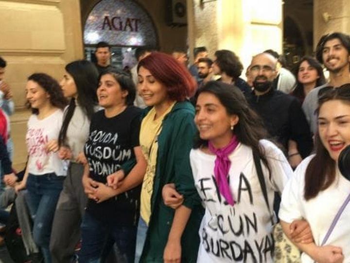 В Баку прошла акция против насилия в отношении женщин - ФОТО
