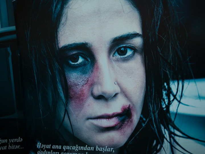 ООН: насилие в отношении женщин отнимает у Азербайджана около $800 млн. ежегодно – ФОТО