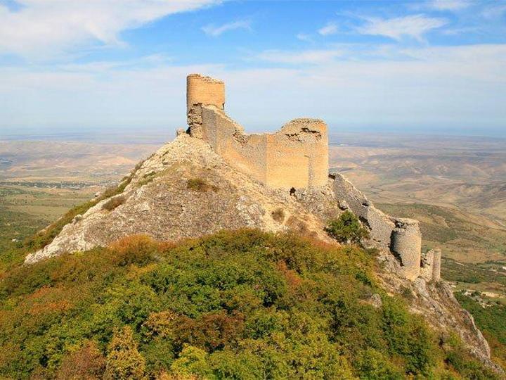 В Азербайджане будут созданы новые историко-культурные заповедники, связанные с Шелковым путем