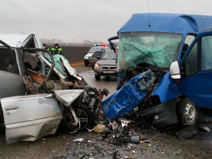 Авария в Марнеули - двое погибших, 11 пострадали