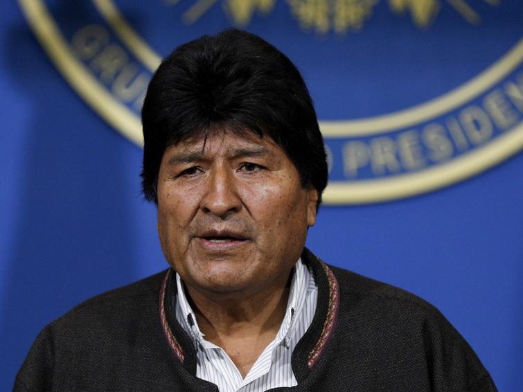 Президент Боливии Эво Моралес подал в отставку