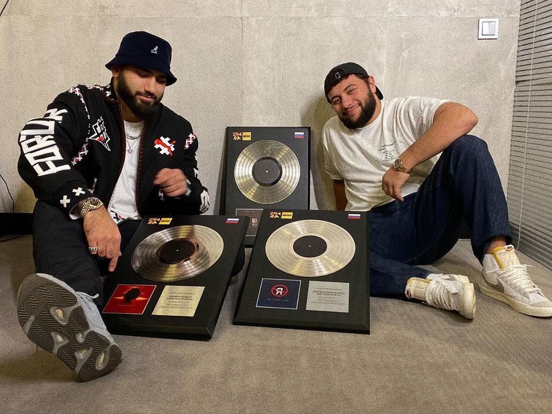 «Платиновые парни»: очередной успех HammAli & Navai в России – ФОТО – ВИДЕО