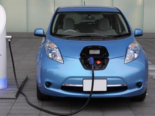В Азербайджане призывают освободить электромобили от всех видов пошлин