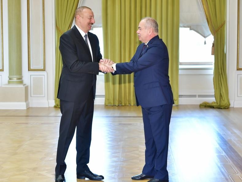 Президент Ильхам Алиев принял официальных лиц России - ФОТО