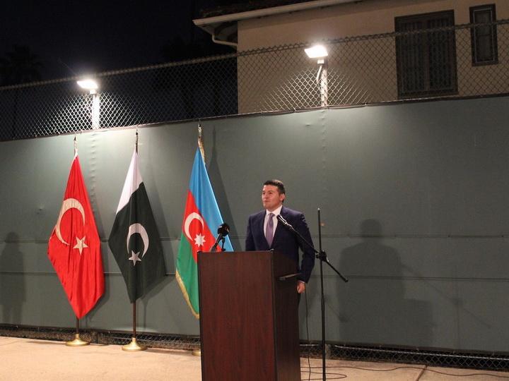 Делегация Азербайджанской общины Нагорного Карабаха отправилась в США - ФОТО