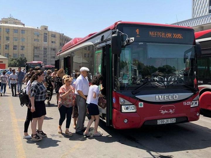 В Азербайджане предлагают освободить пенсионеров от уплаты за проезд на общественном транспорте