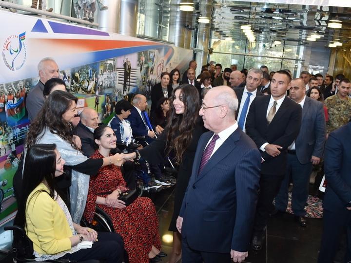 В Баку проходит гала-представление «Непобедимые» в связи с 30-летием Международного Паралимпийского комитета - ФОТО