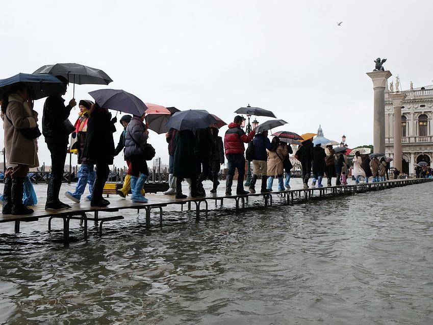 Венеция уходит под воду: затоплено более 80% города - ФОТО - ВИДЕО
