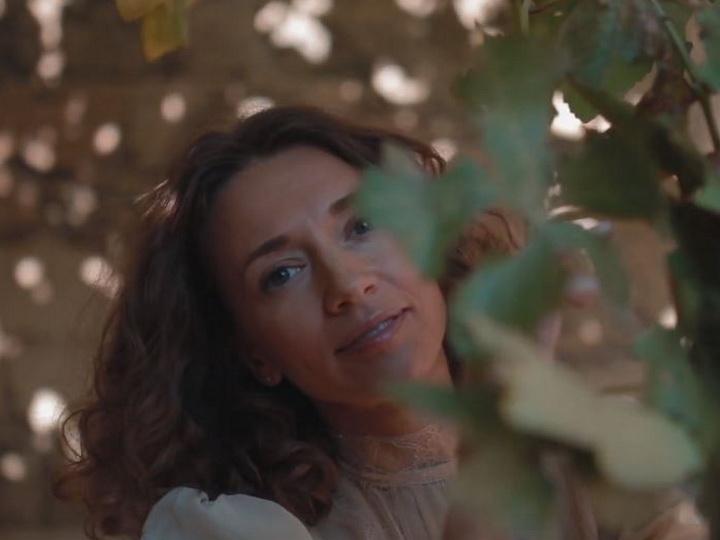 Российская поэтесса посвятила стихотворение Азербайджану, на которое сняла невероятно красивый ролик - ВИДЕО