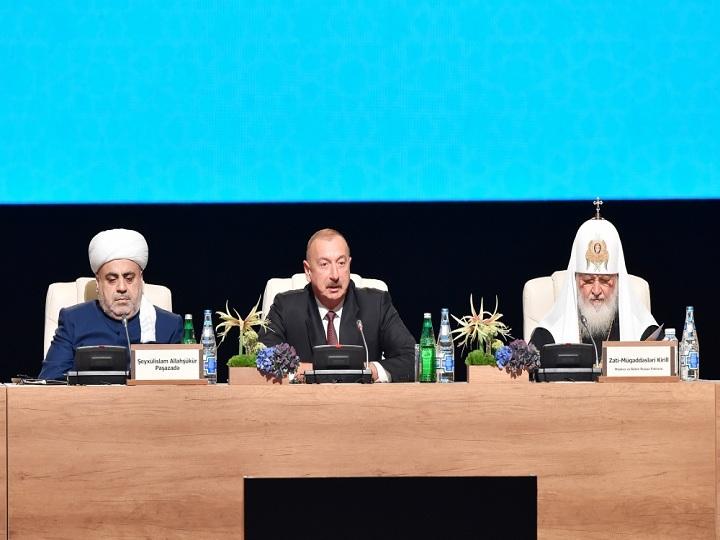 İlham Əliyev Bakıda Dünya dini liderlərinin II Sammitində iştirak edib – FOTO – YENİLƏNİB