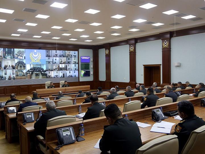 Министр обороны Азербайджана дал поручение усилить боеготовность войск