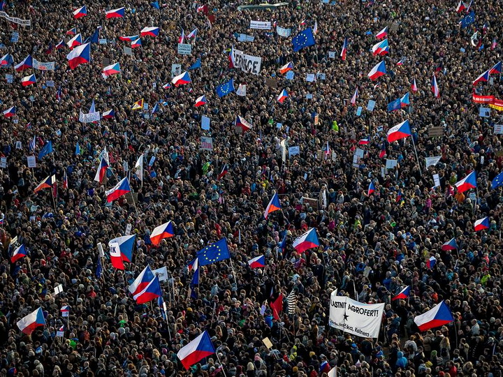 В Праге прошли одни из самых массовых со времени «Бархатной революции» протестов - ФОТО - ВИДЕО - ОБНОВЛЕНО