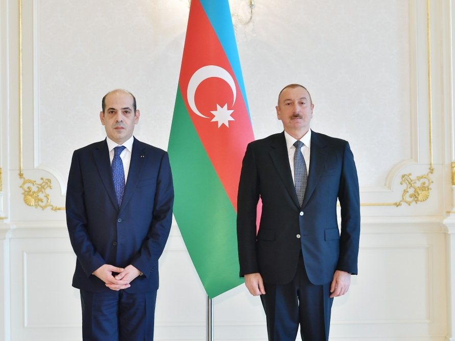 Президент Ильхам Алиев принял верительные грамоты новоназначенного посла Иордании в Азербайджане - ФОТО