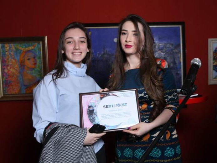 В Баку прошла художественная выставка «Конец насилию над женщиной!» - ФОТО