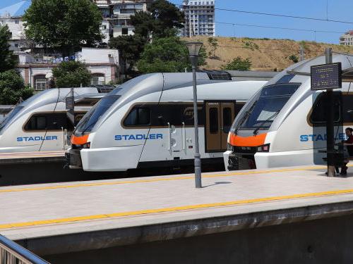 Движение электропоездов по маршруту Баку-Сабунчи приостановлено