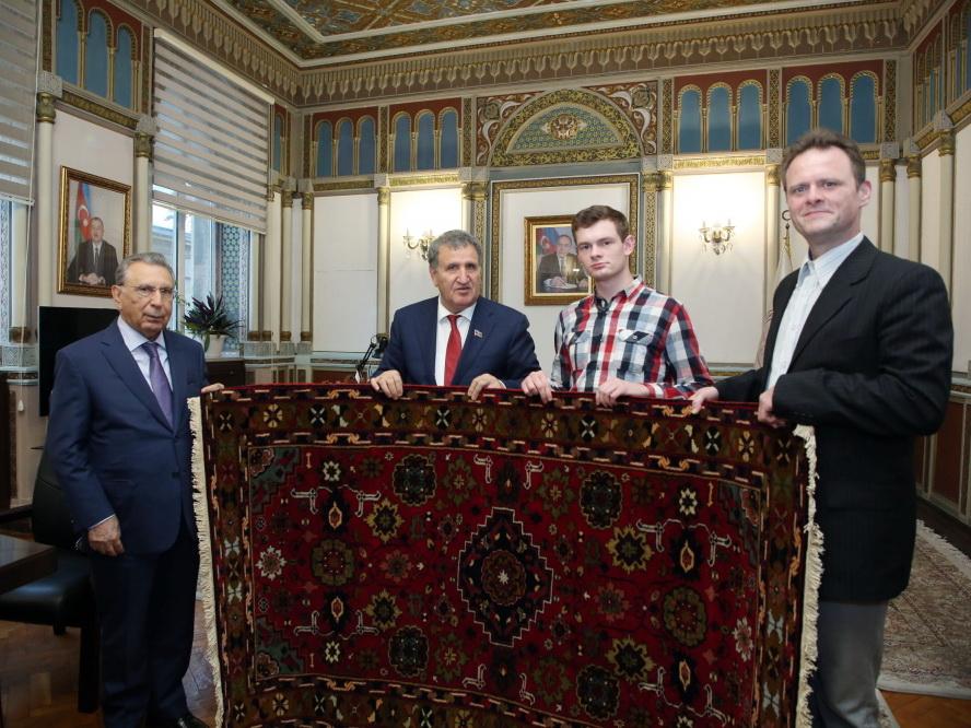 Академик Рамиз Мехтиев встретился с потомками великого азербайджанского писателя Джалила Мамедгулузаде