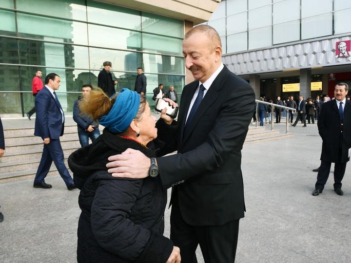 Женщина попросила Ильхама Алиева списать ее долг банку. Как отреагировал Президент? - ВИДЕО