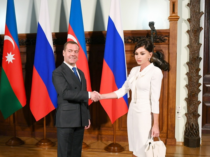 Первый вице-президент Мехрибан Алиева встретилась с председателем Правительства России Дмитрием Медведевым - ФОТО