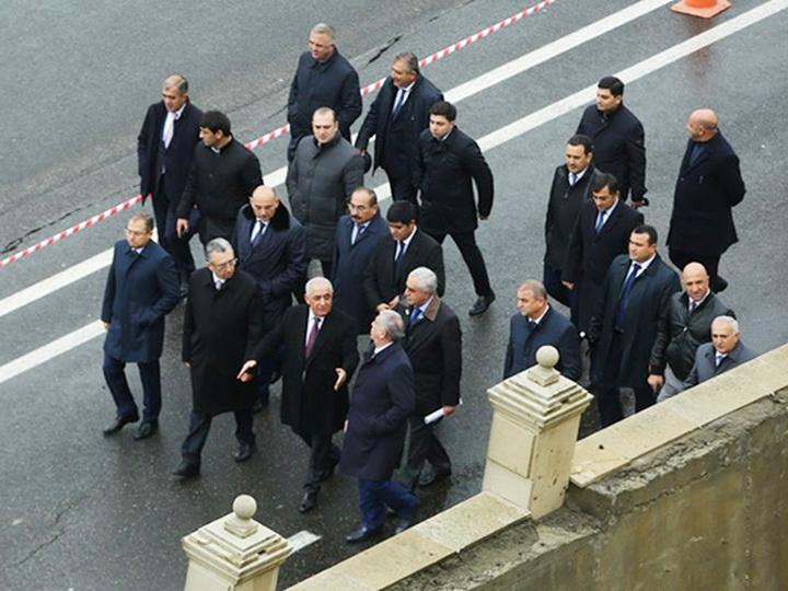 Али Асадов, Эльдар Азизов и Салех Мамедов побывали на месте сильного оползня - ФОТО