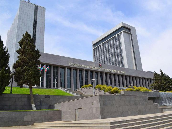 Впервые в Азербайджане: зачем нужны внеочередные выборы в парламент?