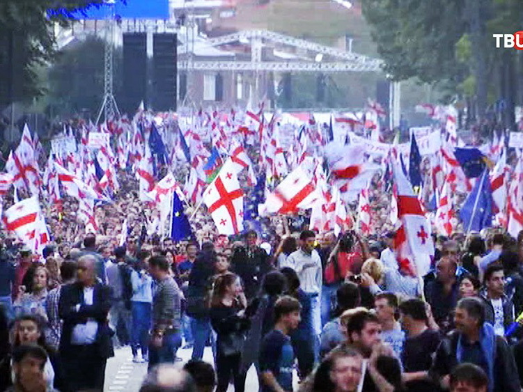 В Грузии оппозиция анонсировала начало митингов в регионах