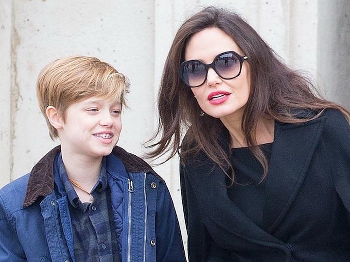 Дочь Анджелины Джоли и Брэда Питта готовится к смене пола - ФОТО