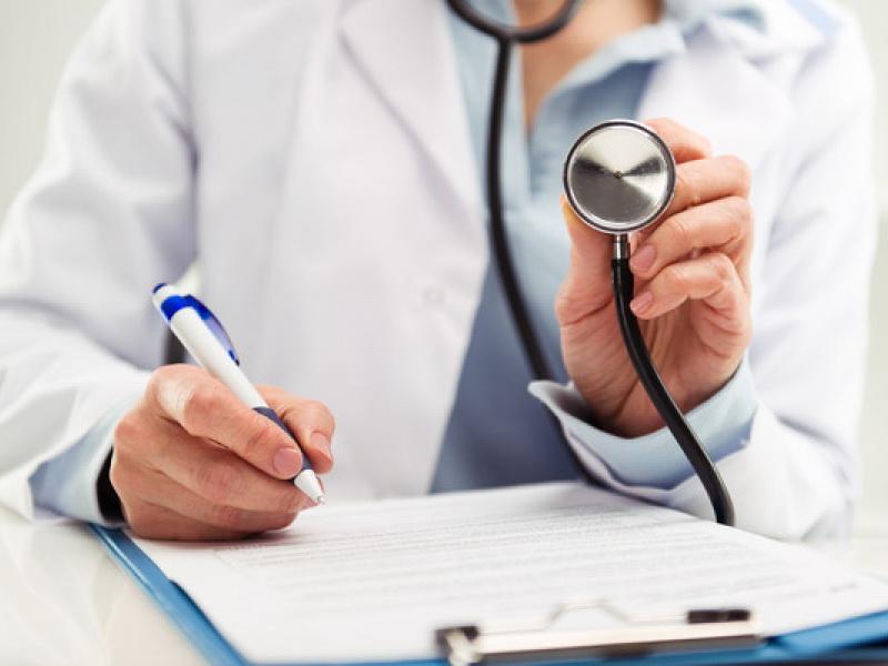 Парламент принял изменения в проект закона о медицинском страховании