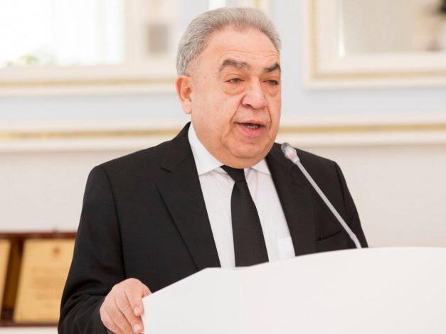 Сафа Мирзоев: «Милли Меджлис продолжит свою деятельность, но не сможет принимать законы до новых выборов»