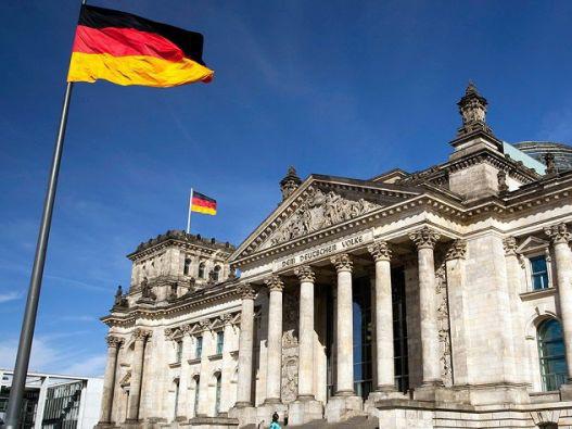 МИД Германии объявил двух сотрудников российского посольства персонами нон грата