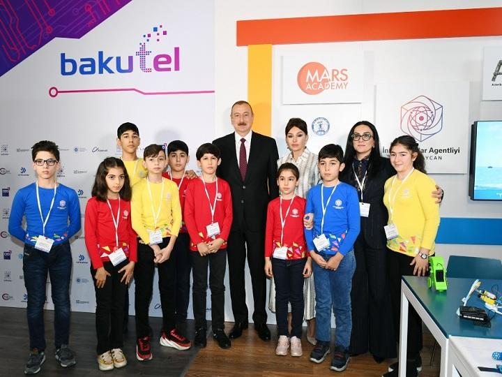 """Prezident İlham Əliyev """"Bakutel-2019"""" sərgisi ilə tanış olub – FOTO"""