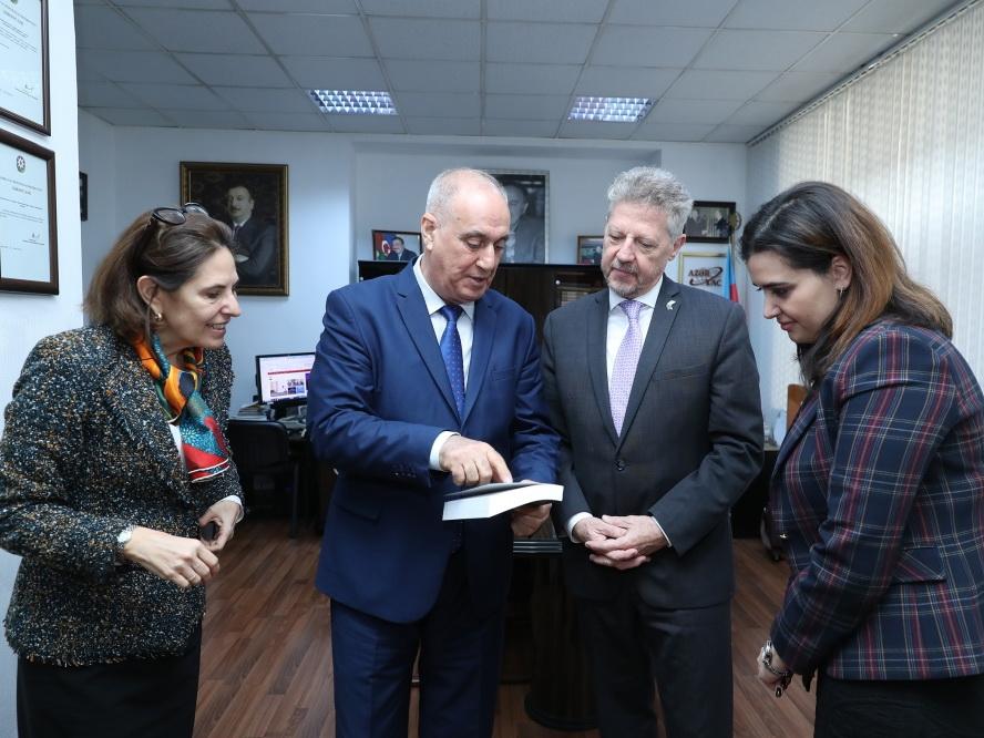 Посол Аргентины: Распространение АЗЕРТАДЖ новостей на испанском языке достойно одобрения