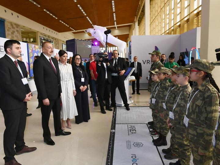 Мехрибан Алиева прослезилась после приветствия детей шехидов - ВИДЕО