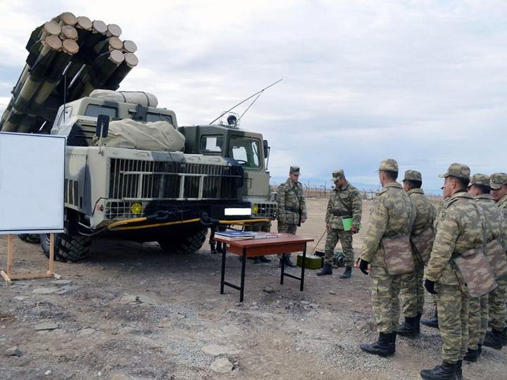 Отрабатываются навыки применения различных артиллерийских установок - ФОТО - ВИДЕО